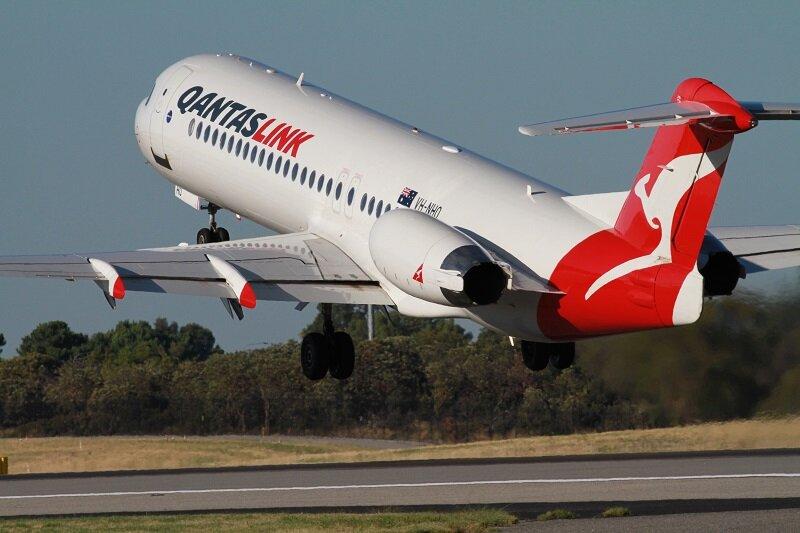 Qantas - هواپيما