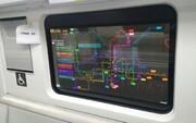 نصب نمایشگرهای شفاف به جای پنجرههای مترو در چین