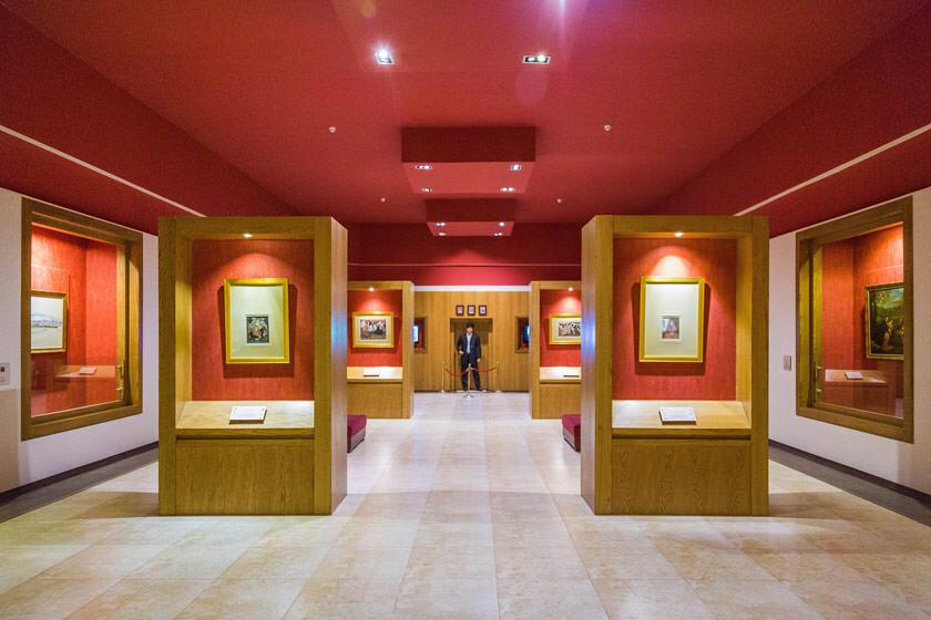 کتابخانه و موزه ملک