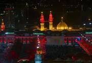 تصویر سردار شهید قاسم سلیمانی در حرم امام حسین (ع)