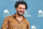 عکس | پوشش متفاوت جواد عزتی در جشنواره ونیز ۲۰۲۰