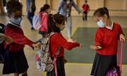 عکس روز| مدرسه با ماسک و فاصلهگیری