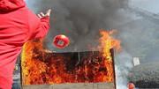 آتشنشانی یزد مجهز به توپ اطفای حریق شد