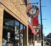 کتابفروشی سیاسی در شهری که کتابفروشی شغلی موروثی است