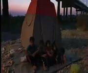 ویدئو | زندگی زن خوزستانی و فرزندانش زیر پل رامهرمز | آرزو و حسرت بچهها را بشنوید