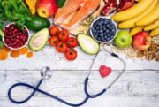 ۷ خطری که با حذف وعدههای غذایی ما را تهدید میکنند