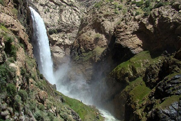 آبشار  تنگ زندان