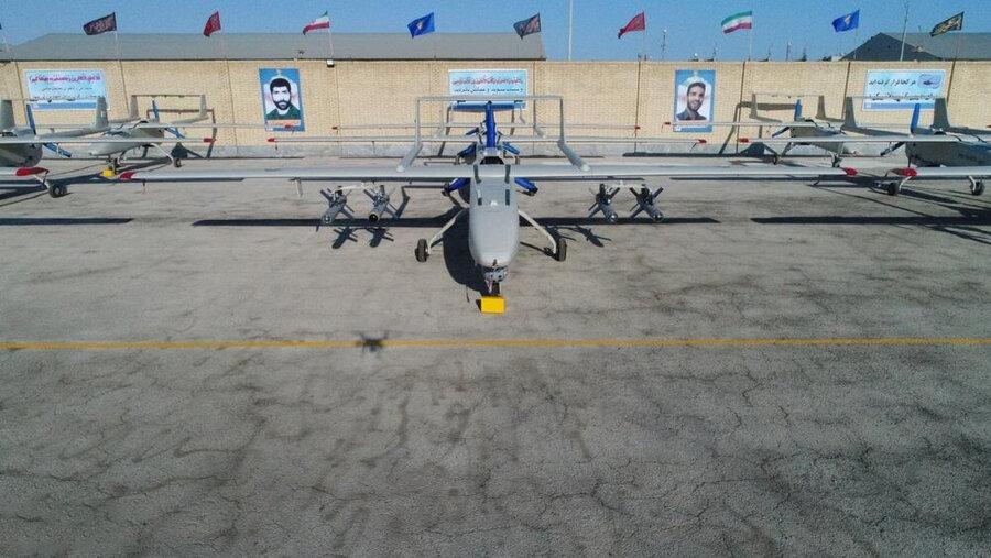 پهپاد مهاجر-۶ مسلح به ۴ بمب هدایت شونده قائم