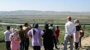 تصاویر | استقبال عجیب خانوادههای ایرانی از تماشای جنگ | زن و مرد دوربین به دست در تماشاخانه جنگ قره باغ