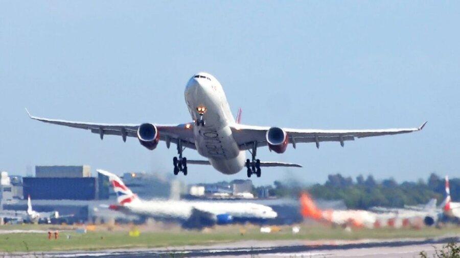 پرواز - فرودگاه