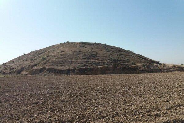 تپه باستانی مندنی