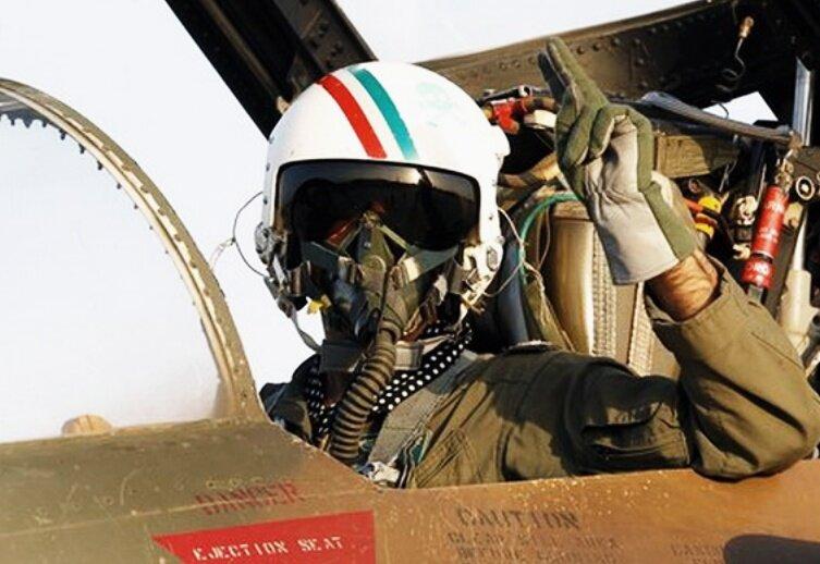 خلبان شهید محمد علی فرزین