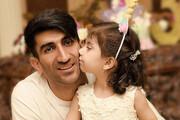 ویدئو | شوخی جالب دختر علیرضا بیرانوند با دماغ پدرش