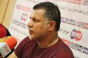 تصاویر | تلاش علی دایی برای گیر انداختن سارق زنجیر ۸۰ میلیونیاش