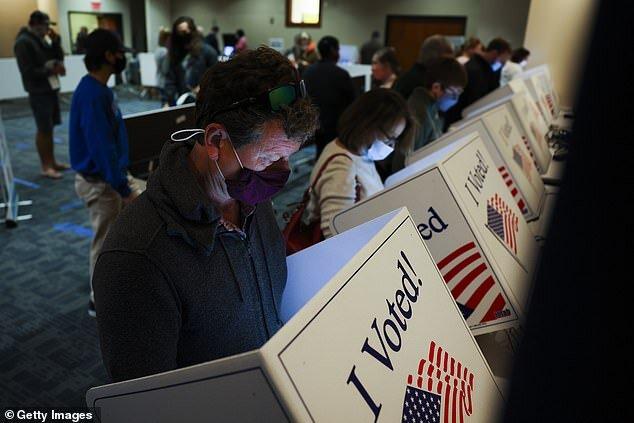 حمله هکرهای ایرانی به پایگاههای انتخاباتی آمریکا واقعیت دارد؟
