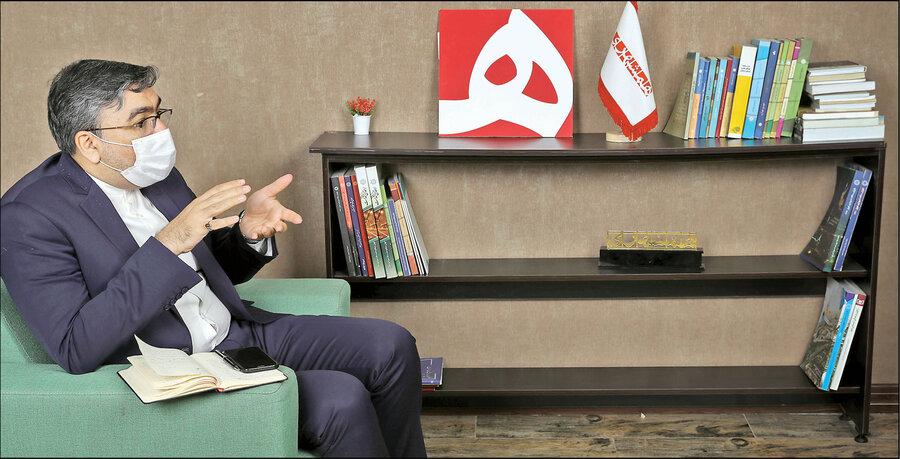ابوالفضل عمویی سخنگوی کمیسیون امنیت ملی و سیاست خارجی مجلس: جزئیات اصلاحیه FBI درباره ایران | بایدن کار راحتی برای گفتوگو با ایران ندارد | فعلا با تحریمها باید زندگی کنیم