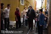 بازدید شهردار تهران از کوچه رنگی پایتخت | شهر رنگی به روایت پیروز حناچی