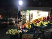 کرونا هم در بازارهای محلی خرید میکند