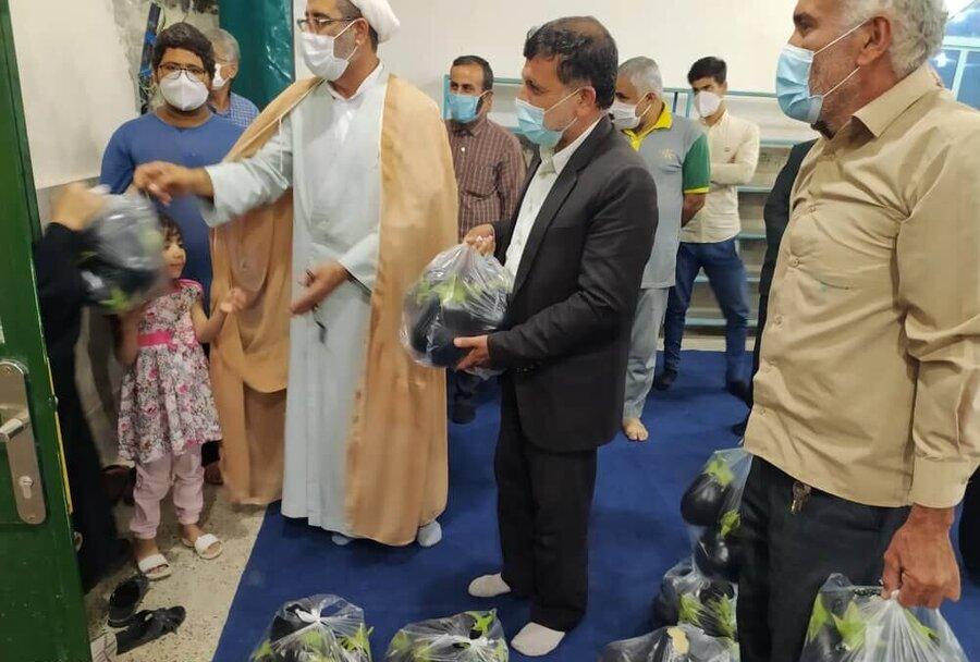 توزیع بادمجان توسط یک امام جمعه