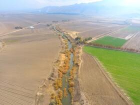 برداشت آب کشاورزی از تالاب بختگان پیگیرد قضایی دارد