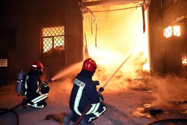 آتشسوزی در یک ساختمان قدیمی در تهران   یک نفر در آتش سوخت