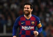 عکس | مجسمه مسی در موزه باشگاه | ستاره بارسلونا را پیر کردند