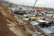 ریزش دیوار آرامستان سنندج به ۱۲ خودرو خسارت زد