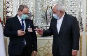 ماجرای بسته روی جیب کت وزیر سوری در دیدار با ظریف | ظریف به چه اشاره میکند؟