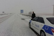پلیس راه در سه گردنه برفگیر زنجان مستقر شد