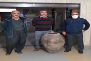 اهدای خمره ۳۰۰ ساله به موزه مهاباد