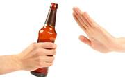 مصرف الکل آلوده در رفسنجان ۸ نفر را راهی بیمارستان کرد
