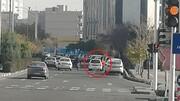 رونمایی از یک شغل عجیب زنانه در تهران | کنار خیابان دستشان را برای خودروها بلند میکنند و ...