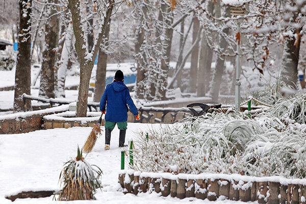 بارش برف و یک روز زمستانی در بجنورد