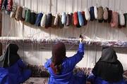امام جماعت محلهای که زنان حاشیهنشین را پای دار قالی آورد