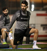 بشار رسن مصدوم شد، شاید به بازی با ایران نرسد | برد سخت عراق مقابل هنگکنگ