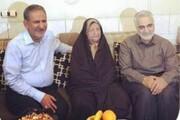 ویدئو   حضور سردار سلیمانی در خانه پدری جهانگیری   حاج قاسم به مادر جهانگیری چه گفت؟