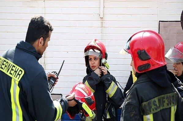 آتشنشان - زن