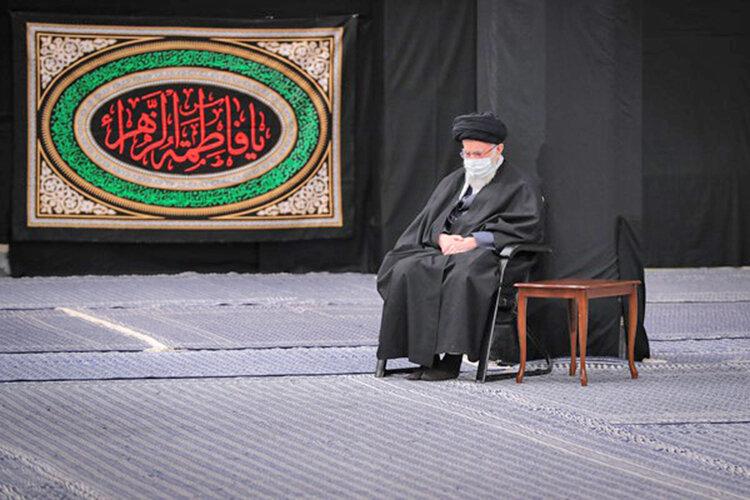 شب آخر عزاداری شهادت حضرت زهرا(س) در حسینیه امام خمینی(ره)