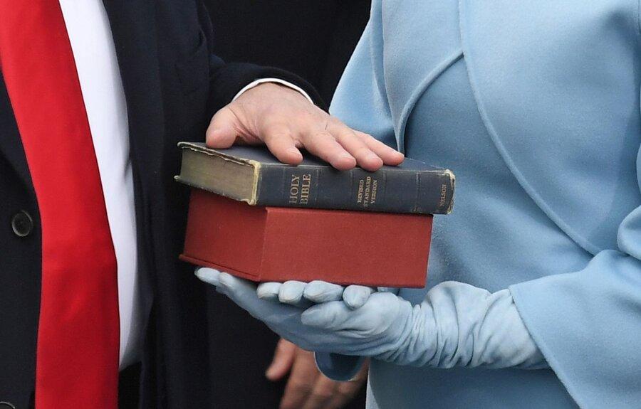 کتاب مقدس + سوگند رئیس جمهوری آمریکا