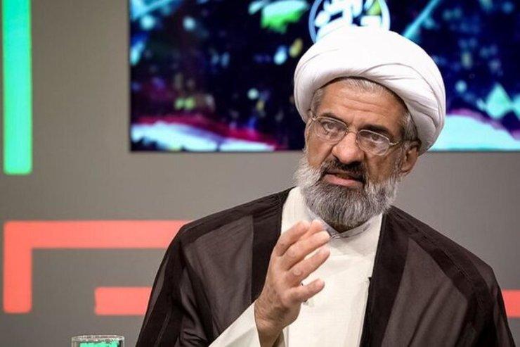 حمله توهینآمیز یک روحانی به رئیسجمهور: شاید پای منقل نشسته!