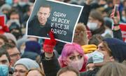 یورش پلیس روسیه به خانه ناوالنی ۲۴ ساعت پس از گفتگوی انتقادی بایدن با پوتین