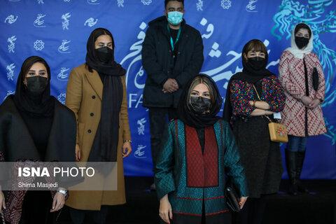 عوامل فیلم «خط فرضی» در سی و نهمین جشنواره بینالمللی فیلم فجر
