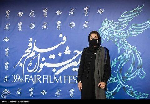 فاطمه معتمد آریا بازیگر فیلم «روزی روزگاری آبادان» در سی و نهمین جشنواره فیلم فجر