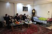 عکاس امام خمینی(ره) در بستر بیماری است