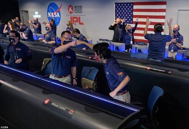 خوشحالي كاركنان ناسا