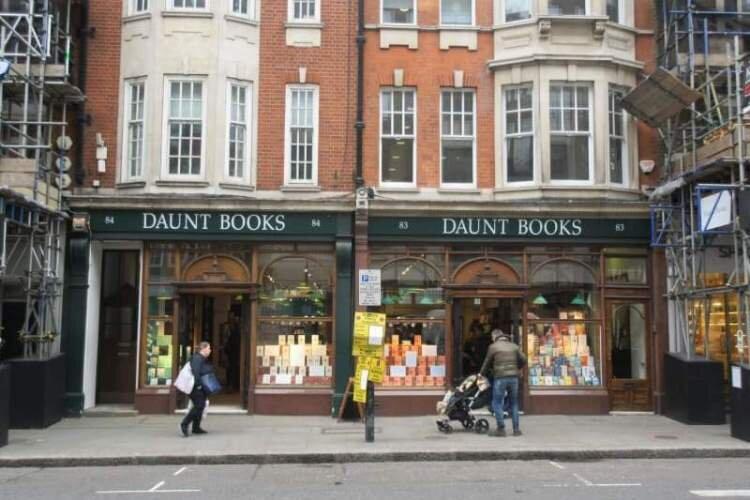 بازگشایی کتابفروشیها در برنامههای دولت انگلیس