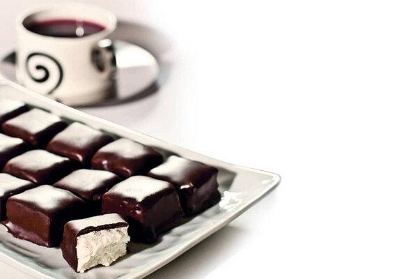 طرز تهیه پشمک شکلاتی خانگی برای عید نوروز