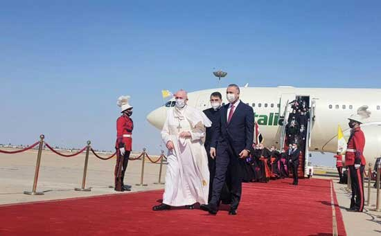 ویدئو و عکس | استقبال ویژه از  پاپ فرانسیس در بغداد  | زمان دیدار رهبر کاتولیکهای جهان با آیت الله سیستانی مشخص شد