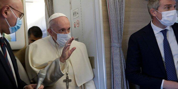 عکس | هدیه پاپ به یکی از فرماندهان حشدالشعبی