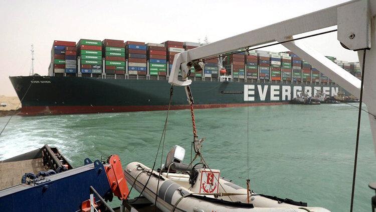 کانال سوئز امروز باز میشود؟ | چشم امید کشتیرانی دنیا به دماغه امید نیک | بایدن هم دست به کار شد